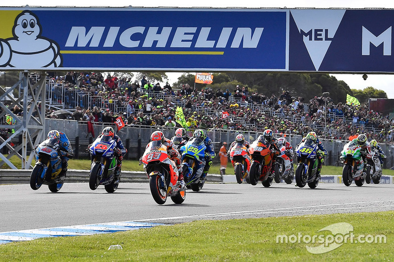 Start action, Marc Marquez, Repsol Honda Team leads