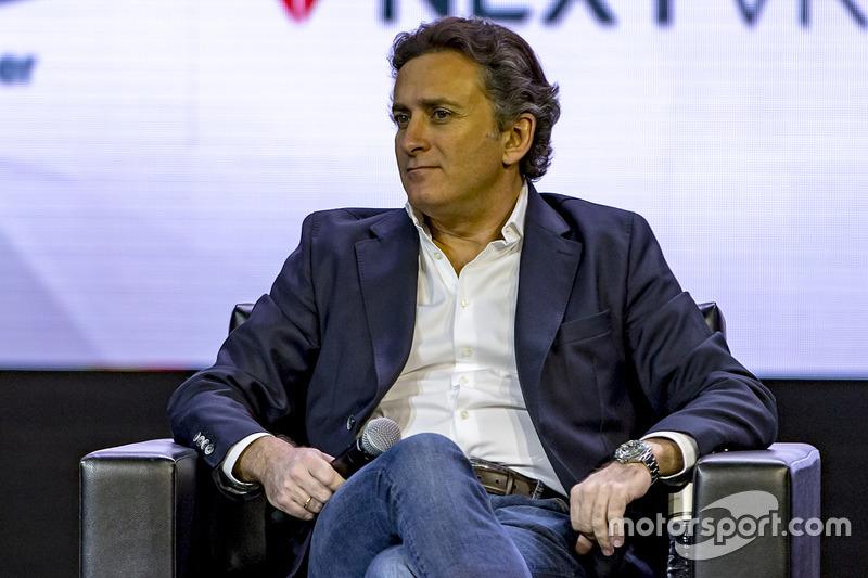 Jean Todt, Presidente, FIA, Alejandro Agag, Fórmula E CEO, Zak Brown, Presidente de Motorsport Network y Avin Arumugam, SVP, Internet de las cosas, Visa