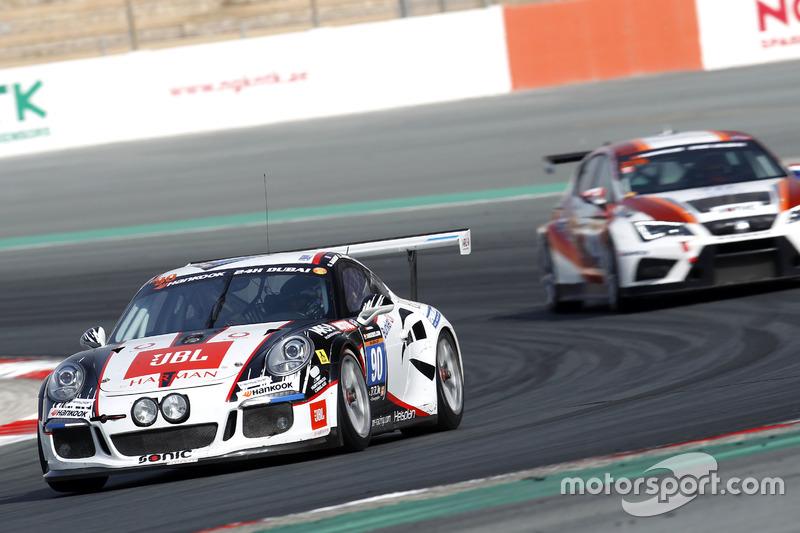 #90 MRS GT-Racing Porsche 991 Cup: Olivier Baharian, Manuel Nicolaidis, Ilya Melnikov
