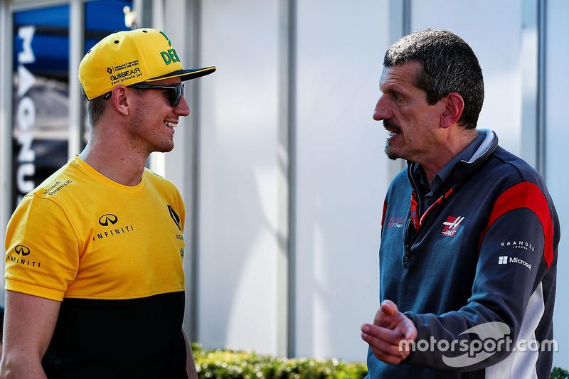 Nico Hulkenberg, Renault Sport F1 Team con Guenther Steiner, Haas F1 Team