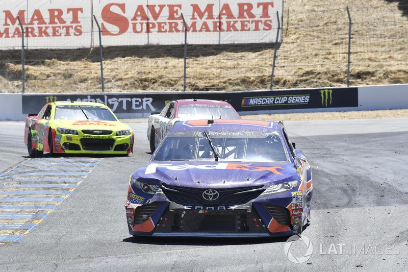 Denny Hamlin, Joe Gibbs Racing Toyota, David Ragan, Front Row Motorsports Ford, Dale Earnhardt Jr., Hendrick Motorsports Chevrolet