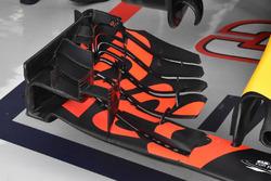 Переднє антикрило Red Bull Racing RB13 Макса Ферстаппена