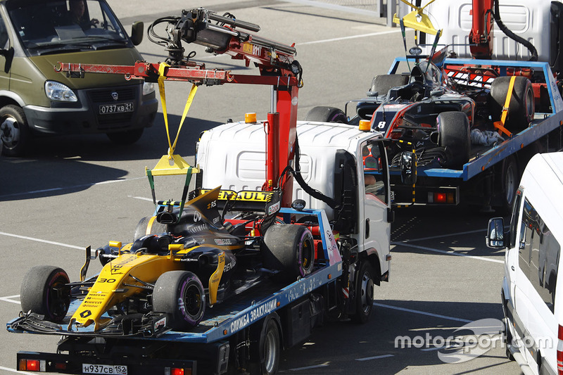 The damaged cars of Jolyon Palmer, Renault Sport F1 Team RS17 and erg