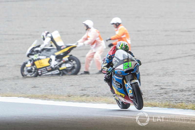 Franco Morbidelli, Marc VDS, Luthi crash in the background