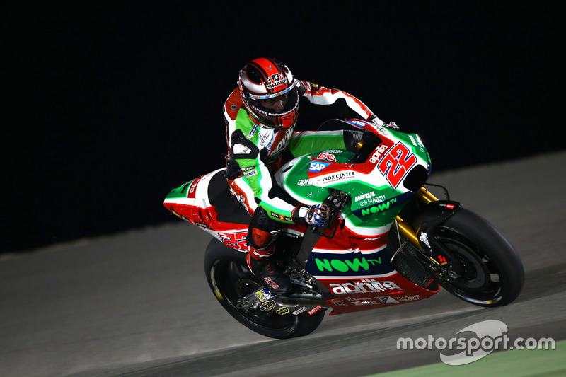 Sam Lowes con la RS-GP del equipo Aprilia Racing Team Gresini en Qatar