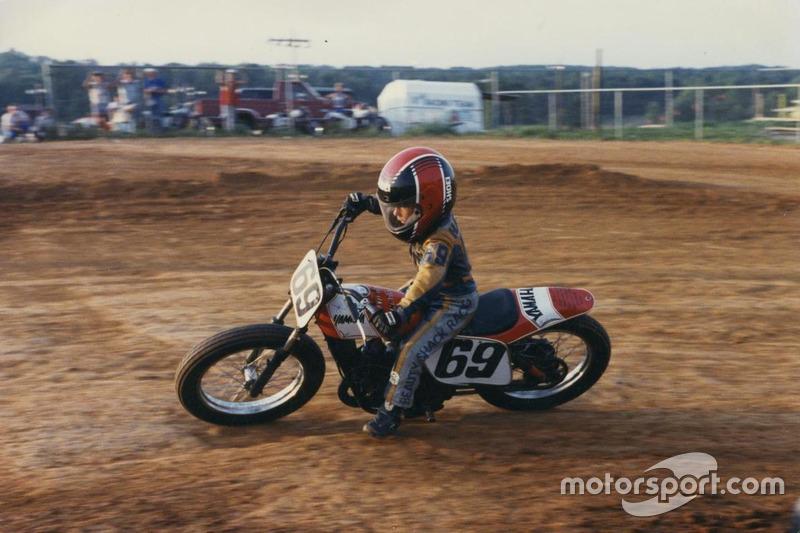 Nicky Hayden en la pista de tierra