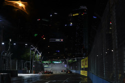 Einführungsrunde: Sebastian Vettel, Ferrari SF70H, Max Verstappen, Red Bull Racing RB13, Daniel Ricciardo, Red Bull Racing RB13