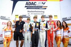 Podium: 1. Felipe Drugovich, Van Amersfoort Racing, 2. Lirim Zendeli, Mücke Motorsport, 3. Fabio Scherer, US Racing, Bester Rookie Mick Wishofer, Lechner Racing