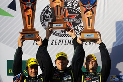 LMGTE Am podio: ganadores Paul Dalla Lana, Pedro Lamy, Mathias Lauda, Aston Martin Racing