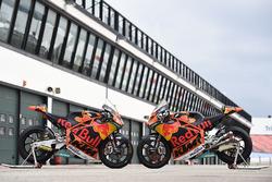 Bikes of Miguel Oliveira, Red Bull KTM Ajo, Brad Binder, Red Bull KTM Ajo