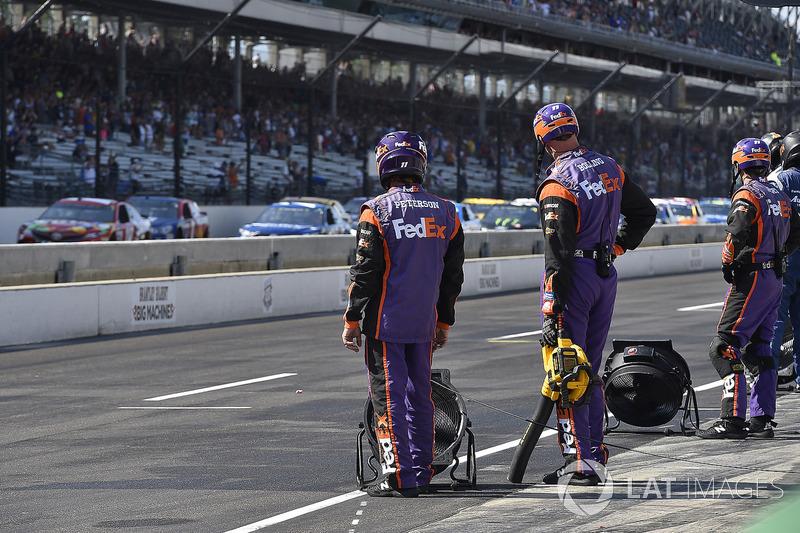 Denny Hamlin, Joe Gibbs Racing Toyota crew
