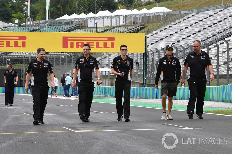 Sergio Pérez, Force India camina en la pista