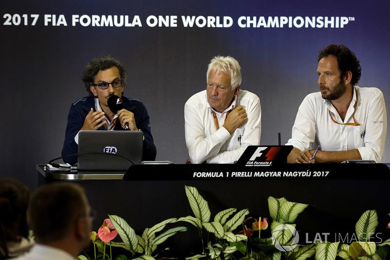 Laurent Mekies, FIA-Sicherheitschef, Charlie Whiting, FIA-Rennleiter, Matteo Bonciani, FiA-Pressespr