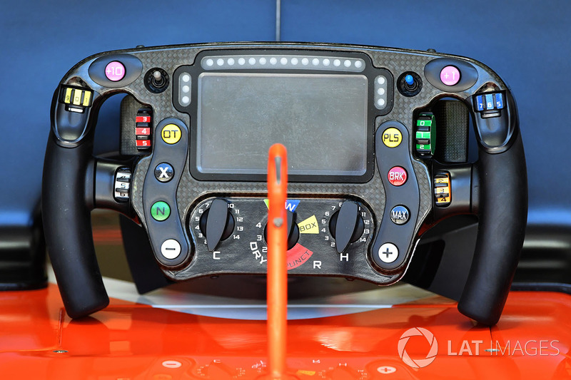 McLaren MCL32 volante