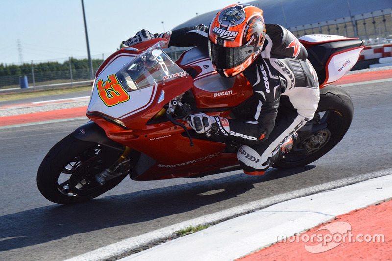 wsbk-ducati-adria-testing-2016-marco-melandri-aruba-it-racing-ducati.jpg