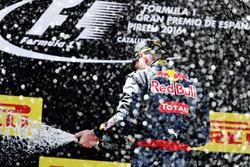 Max Verstappen, Red Bull Racing viert zijn eerste overwinning in de Formule 1