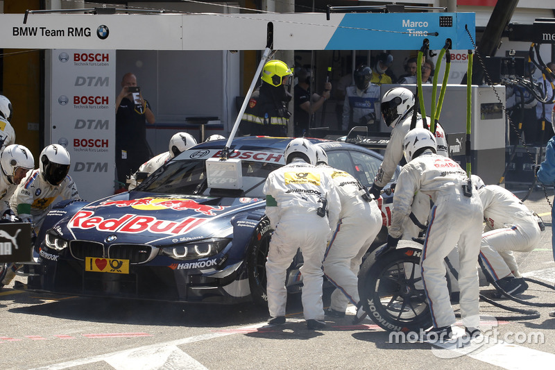 Pit stop Marco Wittmann, BMW Team RMG, BMW M4 DTM