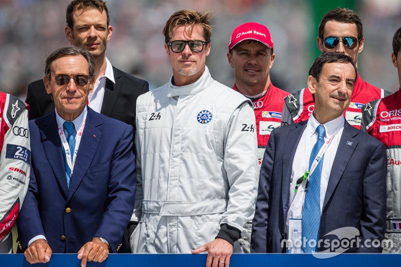 Foto oficial de Acción de FIA para la seguridad vial:: actor Brad Pitt con #7 Audi Sport Team Joest Audi R18: Andre Lotterer, Benoit Tréluyer, #2 Porsche Team Porsche 919 Hybrid: Neel Jani, Marc Lieb