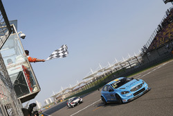 Race winner Thed Björk, Polestar Cyan Racing, Volvo S60 Polestar TC1