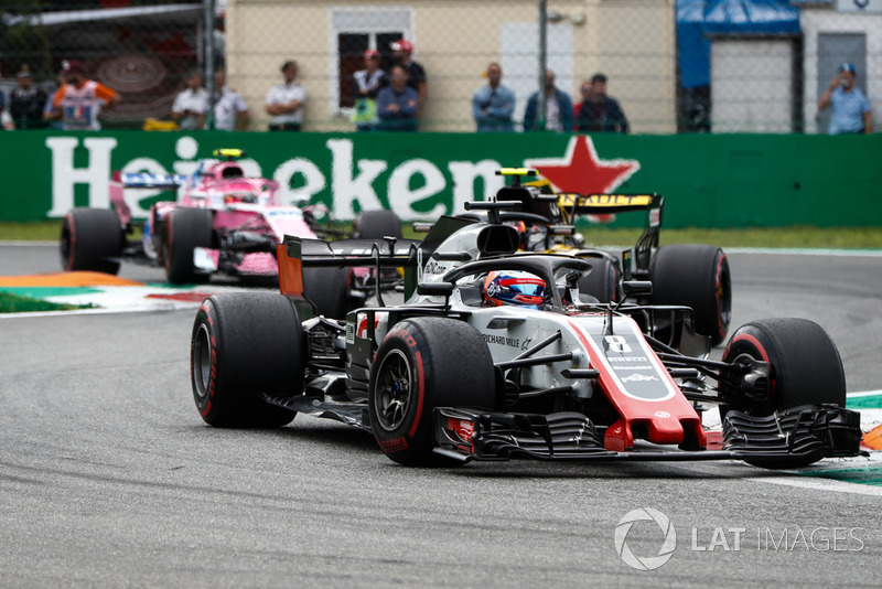 Romain Grosjean, Haas F1 Team VF-18, leads Carlos Sainz Jr., Renault Sport F1 Team R.S. 18, and Esteban Ocon, Racing Point Force India VJM11