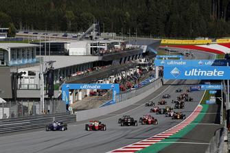 Start of the race, Robert Shwartzman, PREMA Theodore Racing Dallara F317 - Mercedes-Benz, Mick Schumacher, PREMA Theodore Racing Dallara F317 - Mercedes-Benz