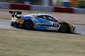 #39 TP 12 - Kessel Racing Ferrari 488 GT3: Piti Bhirombhakdi, Carlo Van Dam