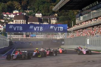Roberto Merhi, Campos Racing, Alessio Lorandi, Trident, Louis Deletraz, Charouz Racing System, Nirei Fukuzumi, BWT Arden, alla partenza della gara