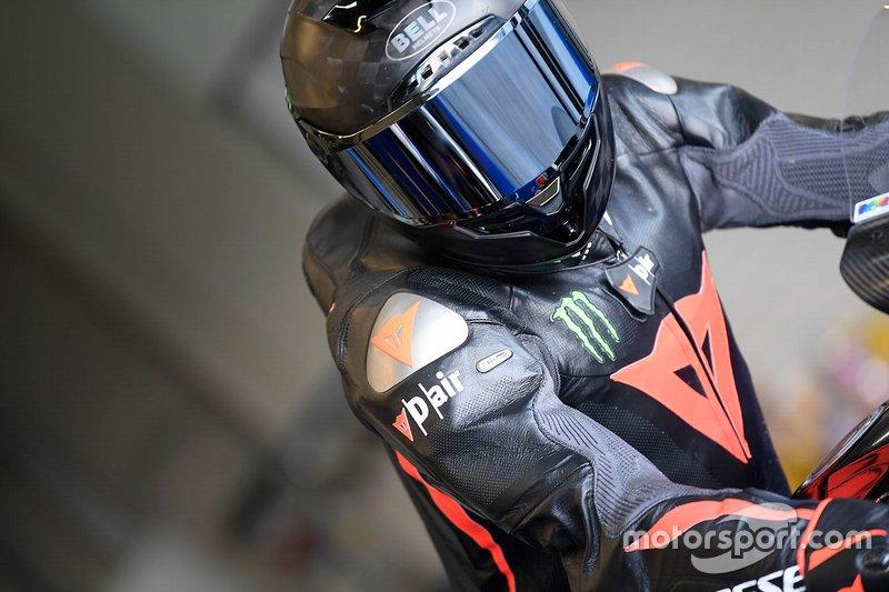 Lewis Hamilton mengetes motor Superbike Yamaha