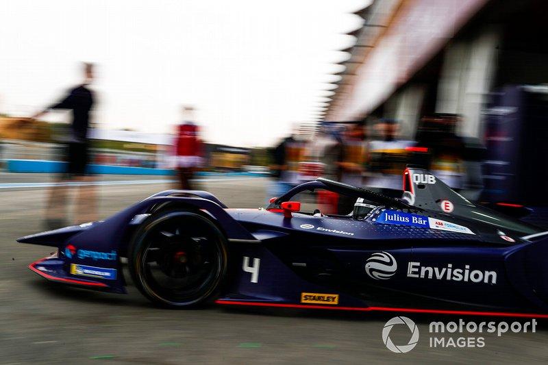 Amna Al Qubaisi, Envision Virgin Racing, Audi e-tron FE05, leaves the garage