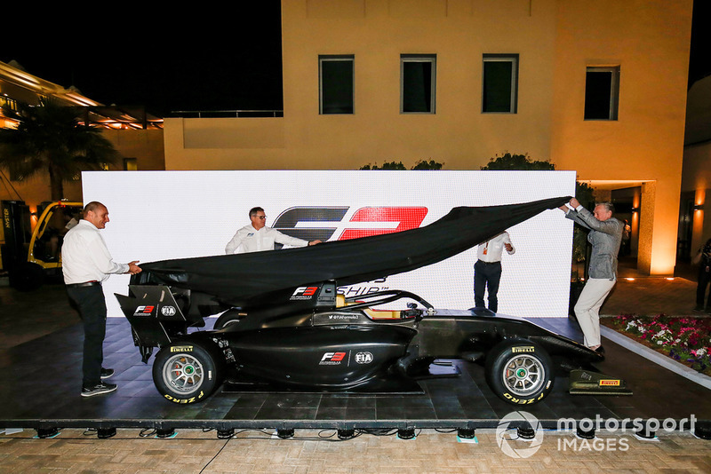 El nuevo FIA F3 2019 es anunciado por Bruno Michel, Didier Perrin, Charlie Whiting y Sean Bratches en el paddock de F1