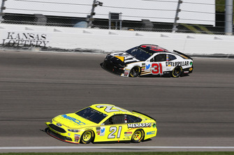 Paul Menard, Wood Brothers Racing, Ford Fusion Menards / NIBCO and Ryan Newman, Richard Childress Racing, Chevrolet Camaro Caterpillar