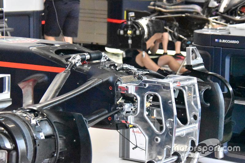 Red Bull RB14 technical detail