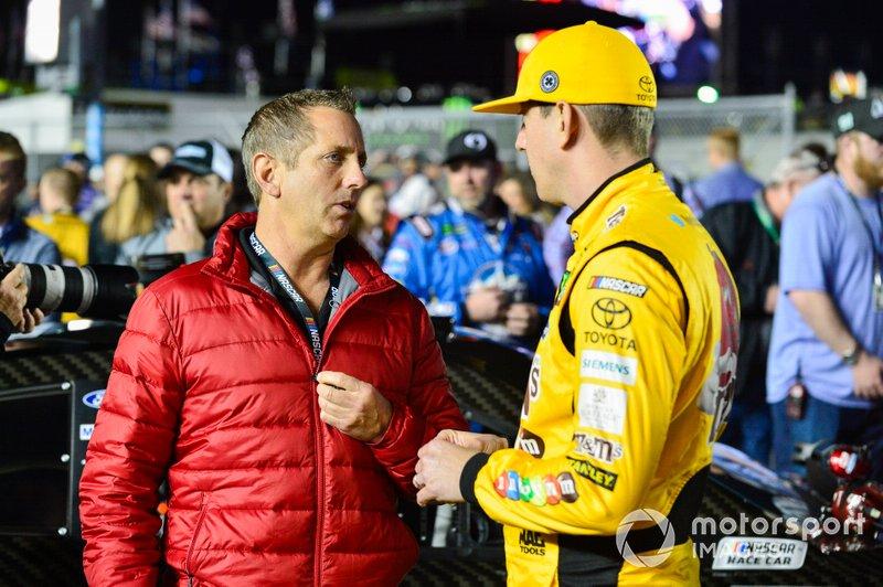 Kyle Busch, Joe Gibbs Racing, Toyota Camry M&M's Chocolate Bar, Greg Biffle