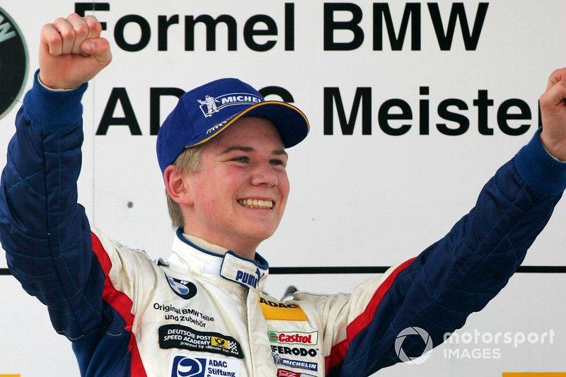 Das Talent: Formel BMW, A1GP, Formel 3, GP2, 24 Stunden von Le Mans: Wo Nico auch angetreten ist, er hat immer gewonnen! Nur in der Formel 1 nicht. Mit dem richtigen Auto ist das nur eine Frage der Zeit. Denn das Talent dafür hat er. An seinen guten Tagen wird sich selbst Daniel Ricciardo an ihm die Zähne ausbeißen.