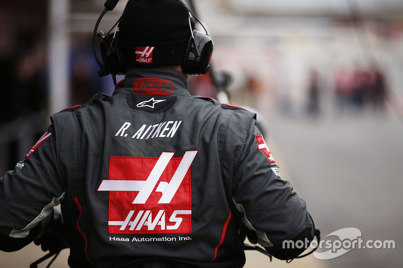 Haas F1 Team mechanic at work