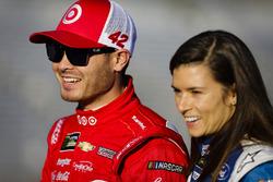 Kyle Larson, Chip Ganassi Racing Chevrolet and Danica Patrick, Stewart-Haas Racing Ford