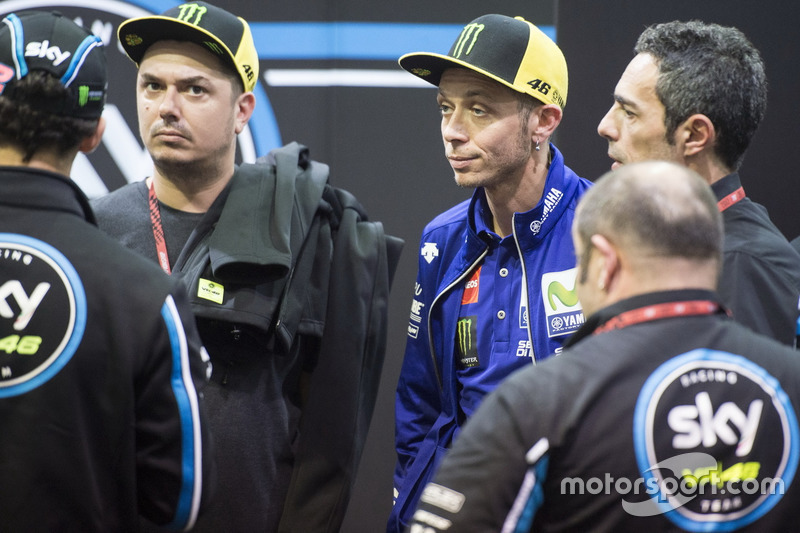 Valentino Rossi, Yamaha Factory Racing, in der Box von SKY VR46