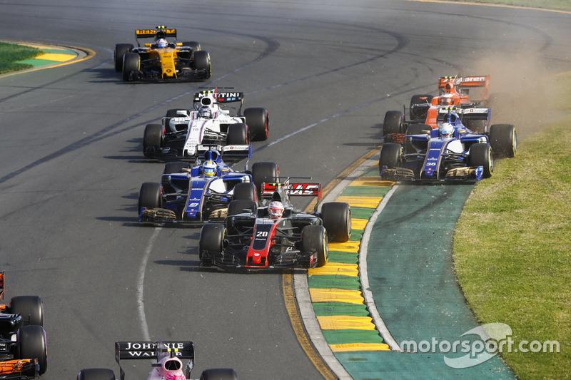 Kevin Magnussen, Haas F1 Team VF-17, Marcus Ericsson, Sauber C36, Antonio Giovinazzi, Sauber C36, Lance Stroll, Williams FW40 y Stoffel Vandoorne, McLaren MCL32
