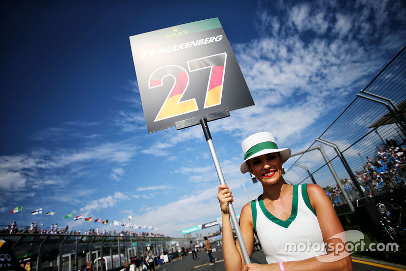 Chica de la parrilla de Nico Hulkenberg, Renault Sport F1 Team