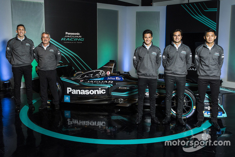 James Barclay, directeur d'équipe, Jaguar Racing, Gerd Mäuser, président, Panasonic Jaguar Racing, Mitch Evans, Nelson Piquet Jr, Ho-Pin Tung