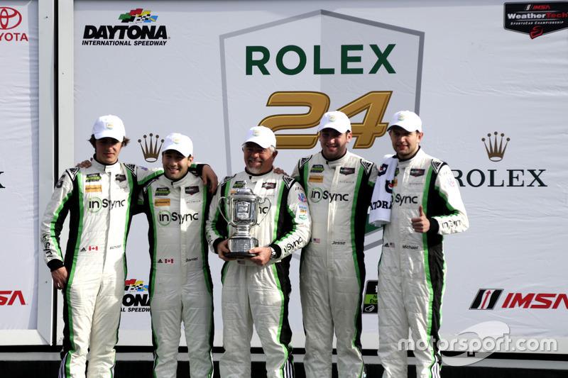 ganador GTD: #28 Alegra Motorsports Porsche 911 GT3 R: Daniel Morad, Jesse Lazare, Carlos de Quesada, Michael de Quesada, Michael Christensen