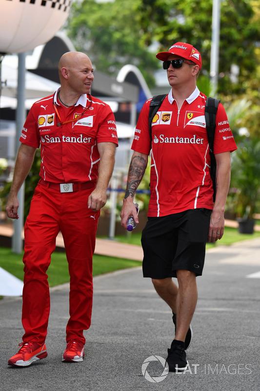 Kimi Raikkonen, Ferrari, sein Trainer Mark Arnal