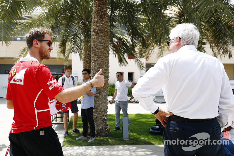 Charlie Whiting Gallery: Sebastian Vettel, Ferrari, Talks With Charlie Whiting, FIA