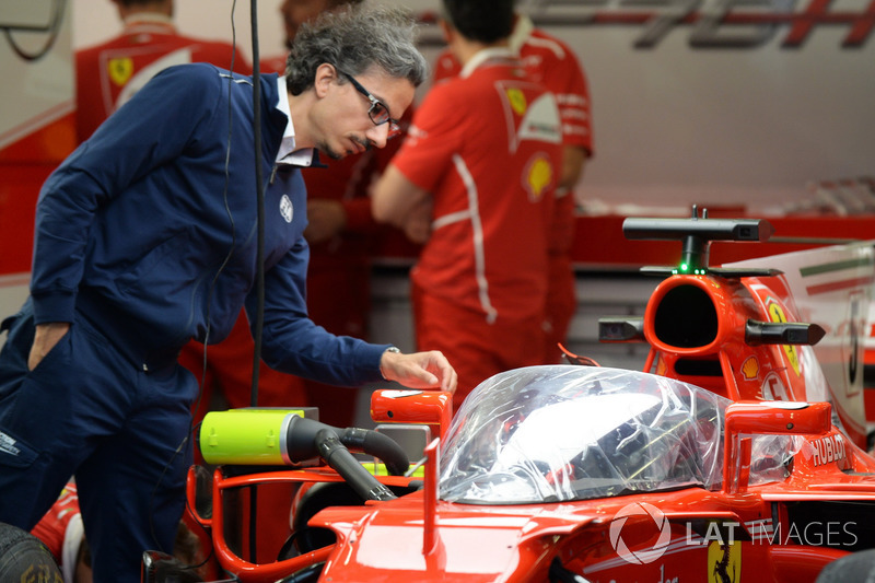 Laurent Mekies, FIA Safety Director, di garasi Ferrari