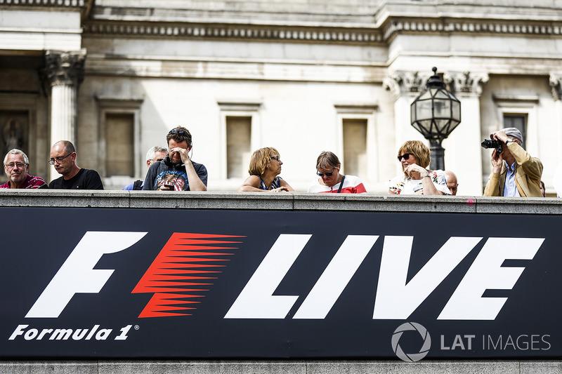 F1 Live logo