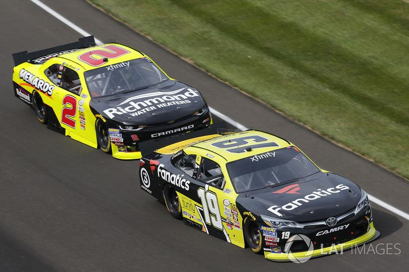 Matt Tifft, Joe Gibbs Racing Toyota Paul Menard, Richard Childress Racing Chevrolet