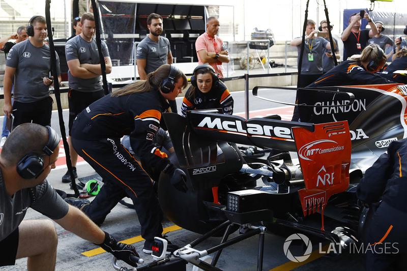Жіночий піт-стоп McLaren