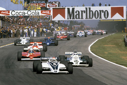 Start: Nelson Piquet, Brabham BT49C leads