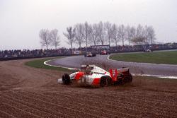Crash: Michael Andretti, Mclaren MP4/8; Karl Wendlinger, Sauber C12