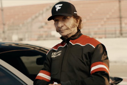 Emerson Fittipaldi em comercial do Super Bowl